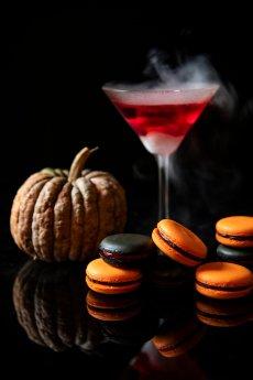 Halloween cocktail and Macarons